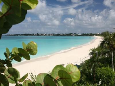 - old-fort-bay-bahamas-real-estate-bahamar-mario-carey-realty-beachfront-home